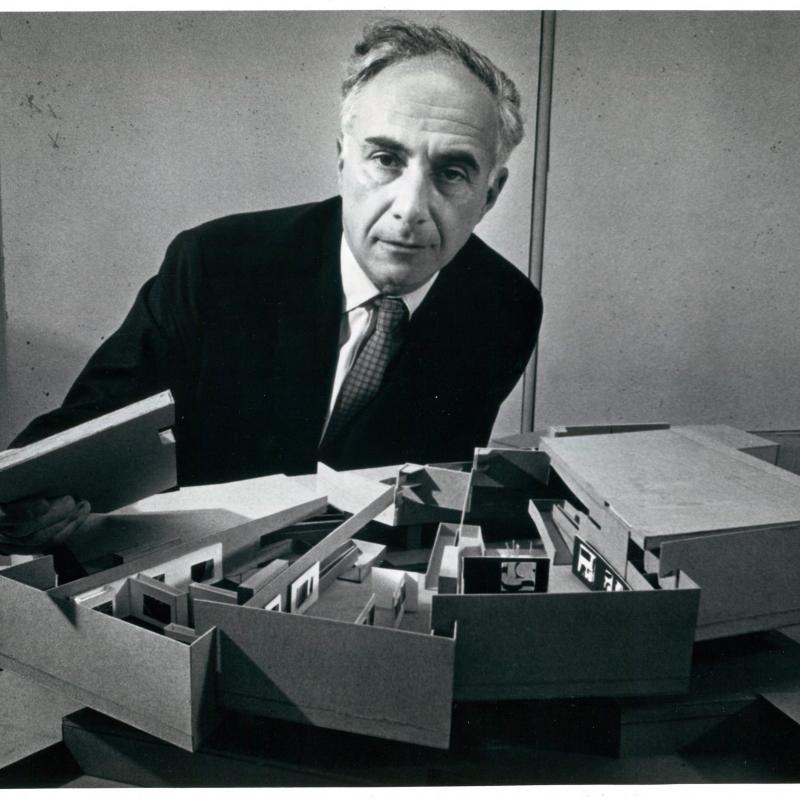 Peter Selz