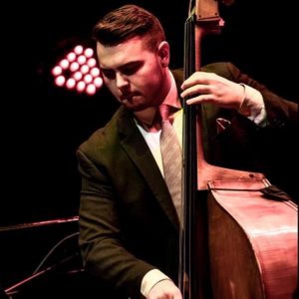 Phillip Norris, bass