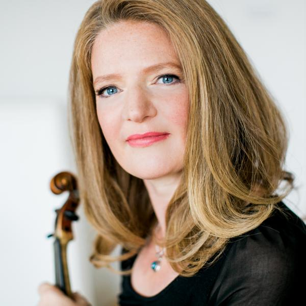 Rachel Podger with violin scroll