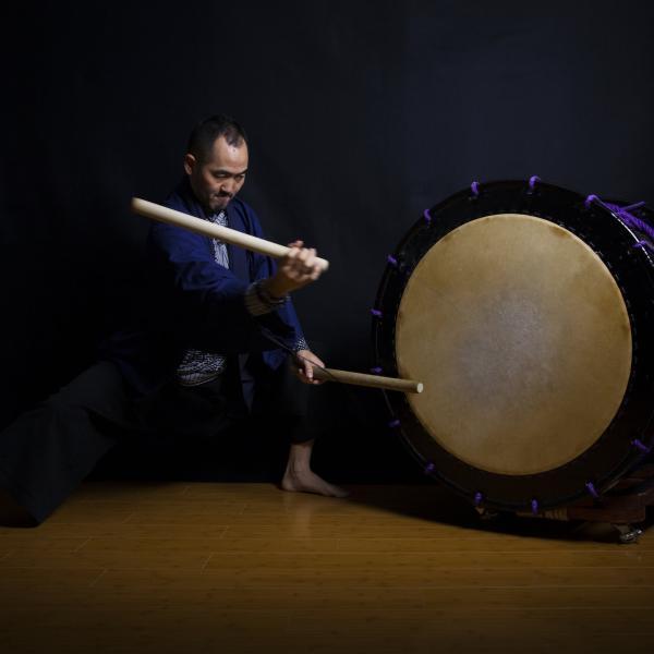 Kaoru Watanabe playing Taiko drums