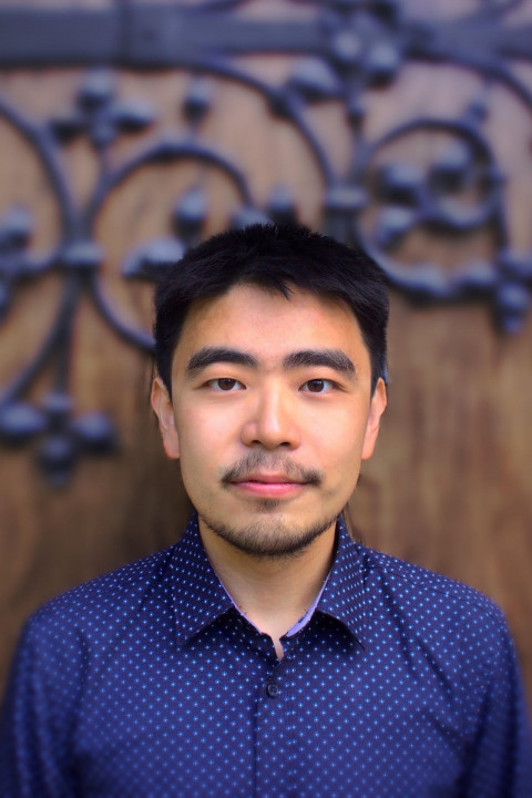 A portrait of Frank Gao