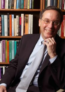 Portrait of Jonathan Lear in front of books.