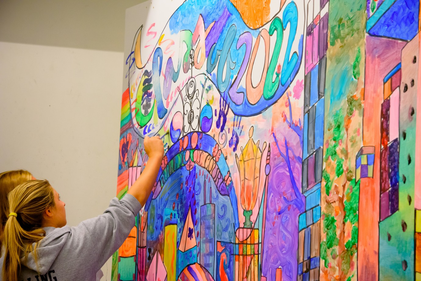 Interactive mural brings first-year students together   The College