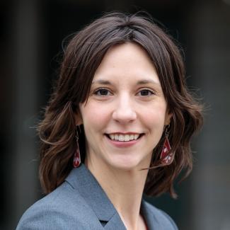Jennifer Iverson headshot