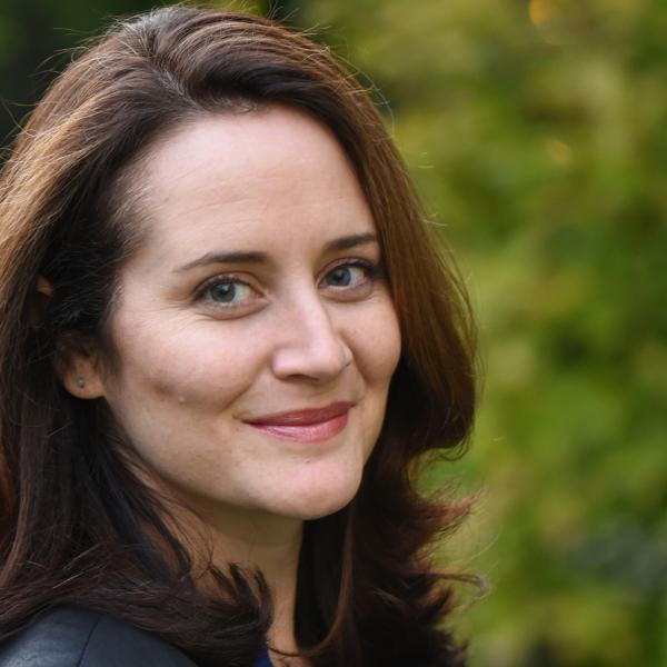 Sarah Curran headshot